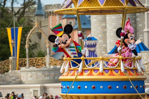 Festival of Fantasy - Mickey and Minnie - credit Matt Stroshane WDW