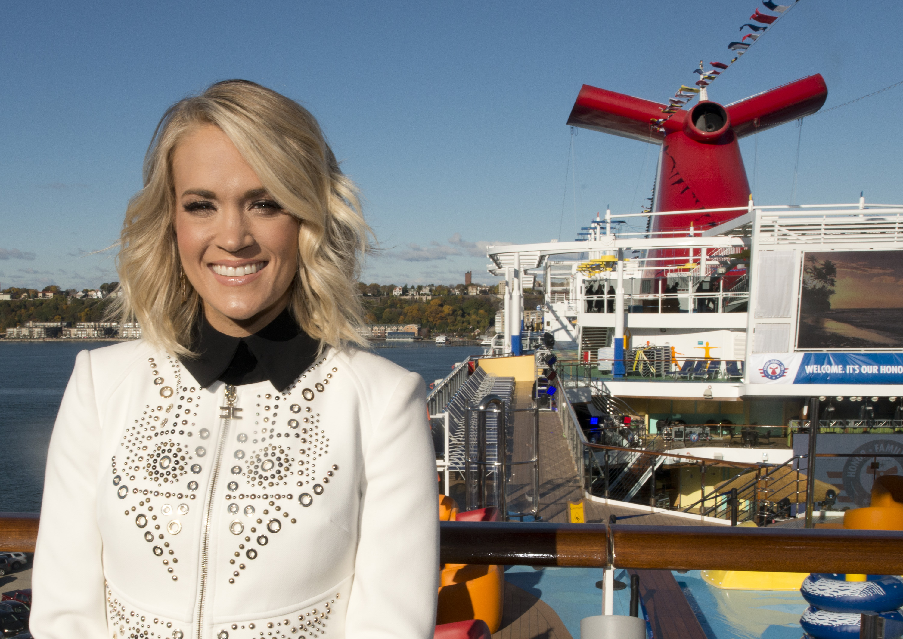 Carnival Live News Carrie Underwood To Perform In 2017