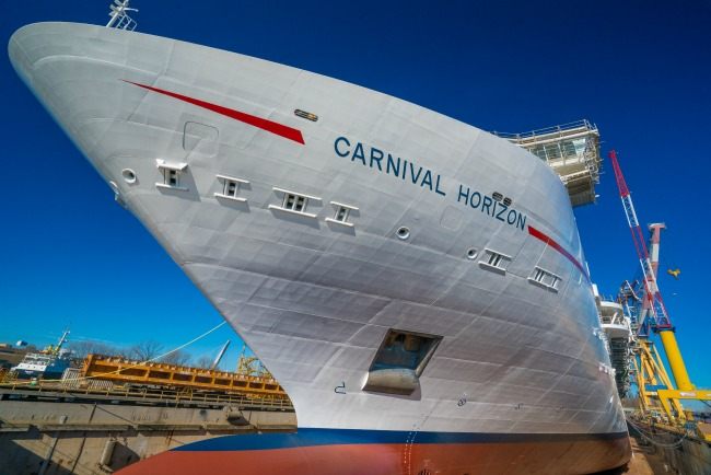 Carnival Horizon - Exterior with Name
