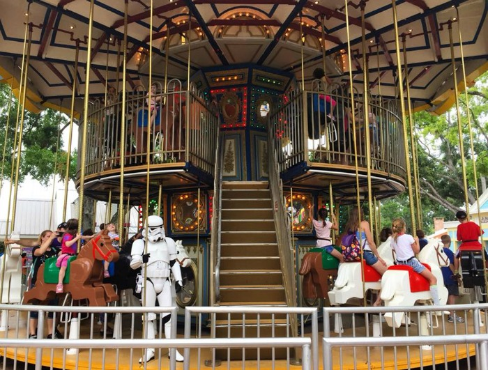 LEGO STAR WARS Days - Stormtrooper on Carousel