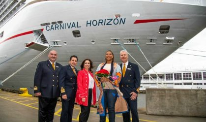 Resized Queen Latifah Ship Exterior Group Shot - AmyHarrisCarnival-26141
